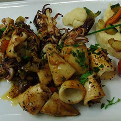 Cuisine traditionnelle repas de groupe monein pr s de b arn 64 auberge des roses - Chipirons a la plancha ...